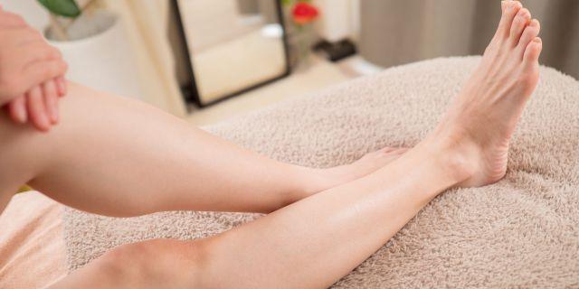 ツルスベのキレイな足